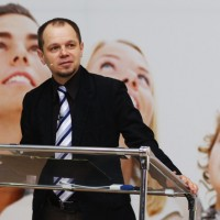 спикер Николай Скопич
